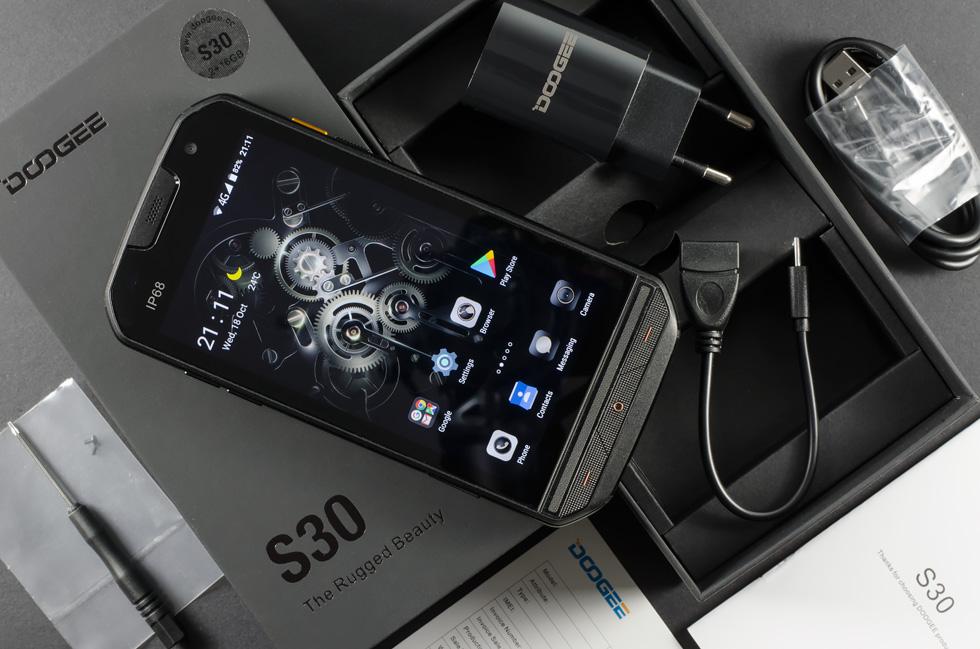 موبایل صنعتی doogee s30