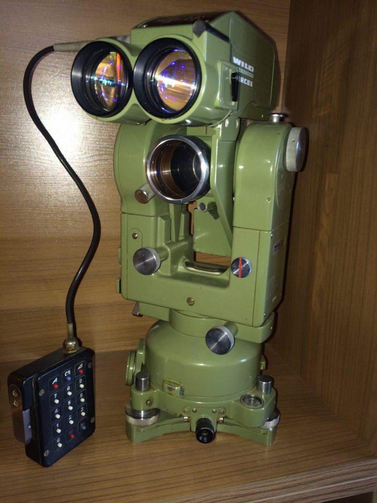قیمت دوربین تئودولیت