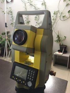 تصویر توتال استیشن ژئومکس مدل ZTA602R با ۴۰۰ متر لیزر با دقت ۲ ثانیه